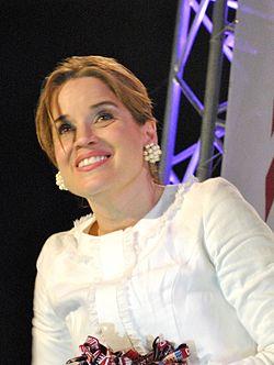 Mel B oli tällöin mukana Yhdysvaltain Dancing With The Stars -ohjelmassa.