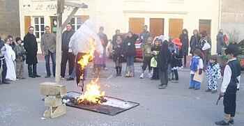 Carnaval de l'école à Saint-Martin-sous-Montaigu.JPG