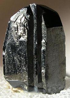 Wodginite oxide mineral