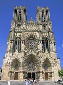 Die Hochgotische Kathedrale Notre Dame De Reims, Ein Herausragendes  Beispiel Französischer Gotik.
