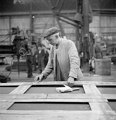 Cecil Beaton Photographs- Tyneside Shipyards, 1943 DB110.jpg