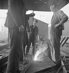 Cecil Beaton Photographs- Tyneside Shipyards, 1943 DB182.jpg