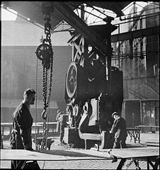 Cecil Beaton Photographs- Tyneside Shipyards, 1943 DB76.jpg