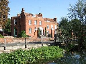 Cobham, Surrey - Cedar House