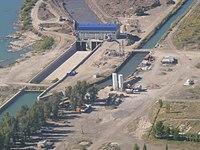 Central Hidroeléctrica Salto Andersen - Central - Desde aguas arriba - En construcción.jpg