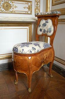 Chaise Percee De Madame Pompadour Conservee Dans Le Cabinet Des Depeches