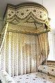 Chambre de la Reine du Petit Trianon 002.jpg