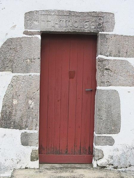 Door and lintel of the chapel of Saint Lawrence of Guermiette in Saint-Étienne-de-Baïgorry (Pyrénées-Atlantiques, France).