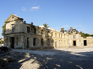 Neuville-sur-Oise - The Chateau de Neuville before its refurbishment