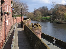 Chester's City Walls - Bridgegate to Eastgate ^2 - geograph.org.uk - 372176.jpg
