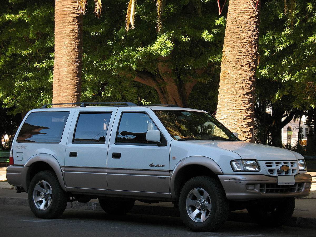 File Chevrolet Luv 3 2 Grand Wagon 4x4 2002 9455145676 Jpg Wikimedia Commons