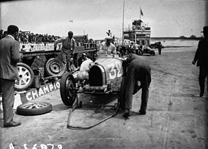 1931 French Grand Prix - Louis Chiron and Achille Varzi pitting
