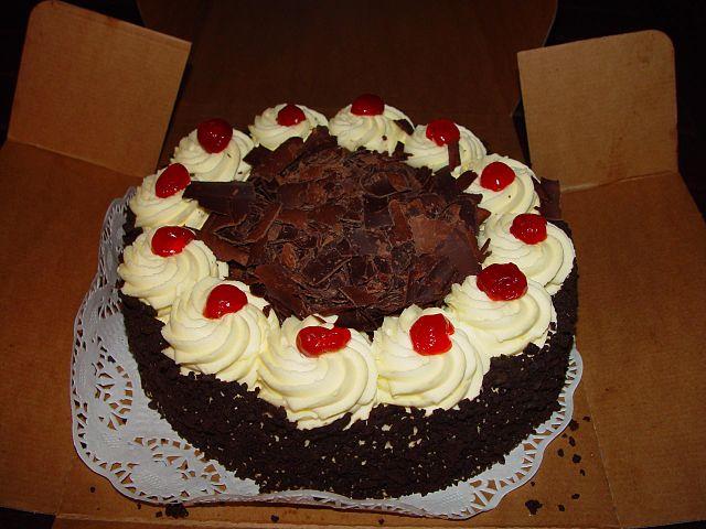 File:Chocolate Cake (1).jpg