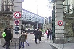 Cimetière de Montmartre entrée principale.jpg