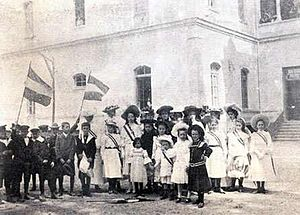German Mexicans - Students of the Colegio Alemán Alexander von Humboldt in the early 20th century.