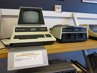 Commodore 8050 - Image: Commodore CBM 2001 & 8050