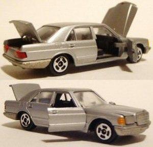 Conrad Models - Conrad Mercedes. Note here the simpler chrome wheels.