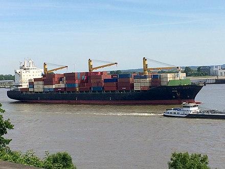 containerschiffe hamburg 2017