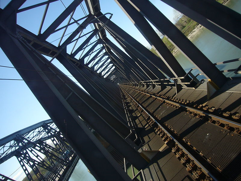 File:Cremona - Ponte sul Po.jpg