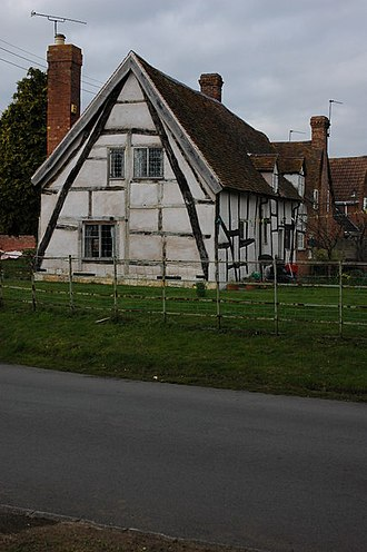 Cruck - A half timbered house in Worcestershire, GR SO961453, framed with a full cruck