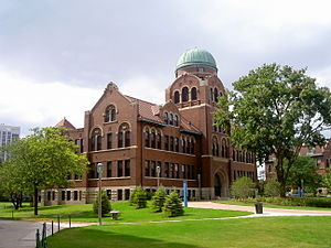 Loyola University Chicago - Cudahy Science Hall