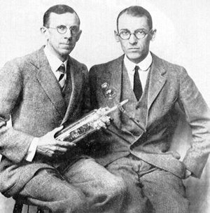 Davisson and Germer.jpg