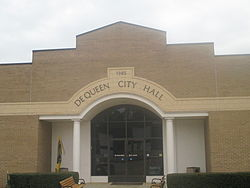 De Queen City Hall