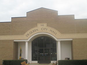 De Queen, Arkansas - Image: De Queen, AR, City Hall IMG 8560