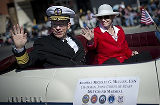 Pacoima, Los Angeles - Admiral Mike Mullen, chairman of the U.S. Joint Chiefs of Staff, and his wife, Deborah, in Pacoima during the 2010 San Fernando Valley Veterans Day Parade