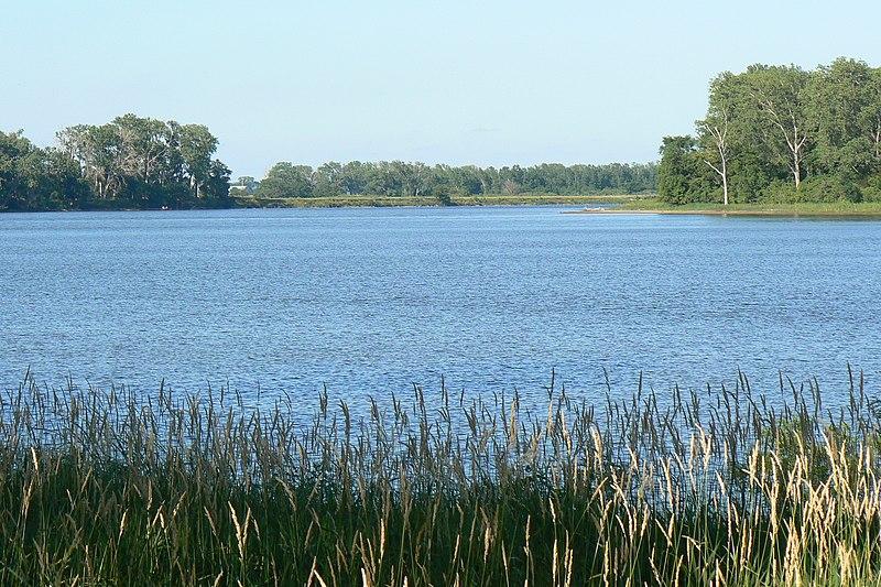 File:Desoto Lake1.jpg