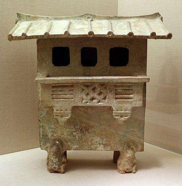 File:Dinastia han orientale, modellino di edificio a più piani, I-II secolo dc.jpg