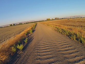 Dirt road - Image: Dirt Road Fremont CA