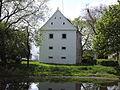 Dolní Stropnice, barokní sýpka s rybníčkem.JPG