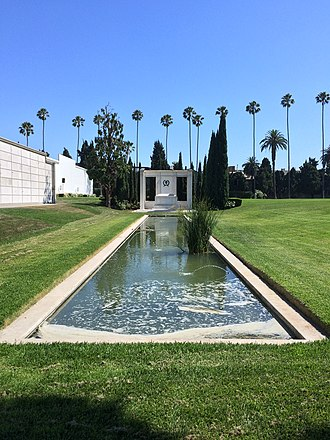 Douglas Fairbanks Jr. - Fairbanks' tomb at Hollywood Forever