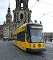 Drážďany, Altstadt, tramvaj NGT6DD.jpg