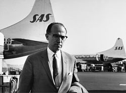 Dr Jonas Edward Salk, creator of Salk polio vaccine, at Copenhagen Airport.jpg