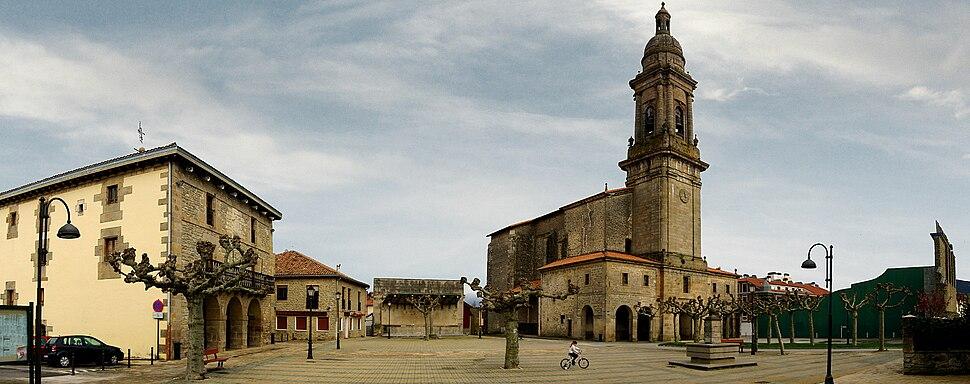 Dulantziko plaza eta eliza