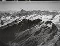 ETH-BIB-Hangendgletscherhorn, Finsteraarhorn, Walliseralpen, Urbachtal v. N. O. aus 4400 m-Inlandflüge-LBS MH01-008033.tif