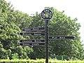 East End Park fingerpost 13 August 2017.jpg