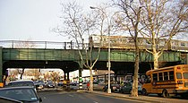 Eastbound J train crosses Eastern Parkway jeh.jpg