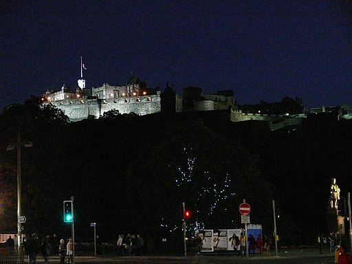 512px-Edinburgh_Castle_11.jpg