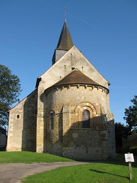 L'église saint-Louis de Montigny-aux-Amognes, Nièvre, France.
