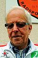 Ehrenvorsitzender Reinhard Kramer vom Hannoverschen Radsport-Club von 1912 e.V. vor dem Vereinshaus am Weddigenufer 23.jpg