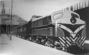 Belgrano Norte Line - English Electric locomotive in Retiro, 1959.