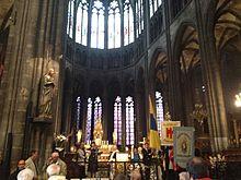 Fête de Notre-Dame-du-Port: arrivée dans la cathédrale