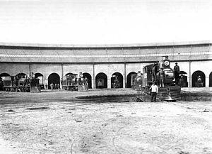 Province of Santa Fe Railway - Locomotives shed, 1911.