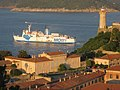 Ferry leaving Porto Ferraio - panoramio.jpg