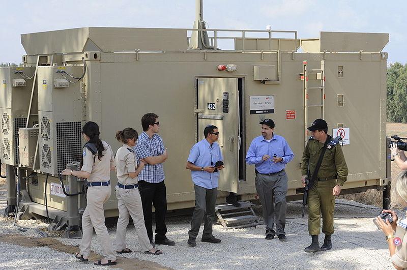Fuerzas de Defensa de Israel ( צְבָא הַהֲגָנָה לְיִשְׂרָאֵל, Tsva Hahagana LeYisrael) - Página 3 800px-Flickr_-_U.S._Embassy_Tel_Aviv_-_Visit_to_Iron_Dome_No.106FL