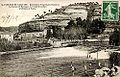 Fontaine-de-Vaucluse Bastide de la Baume et barrages de l'usine Fourmon.jpg