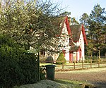 File:Forest Lodge - geograph.org.uk - 330408.jpg